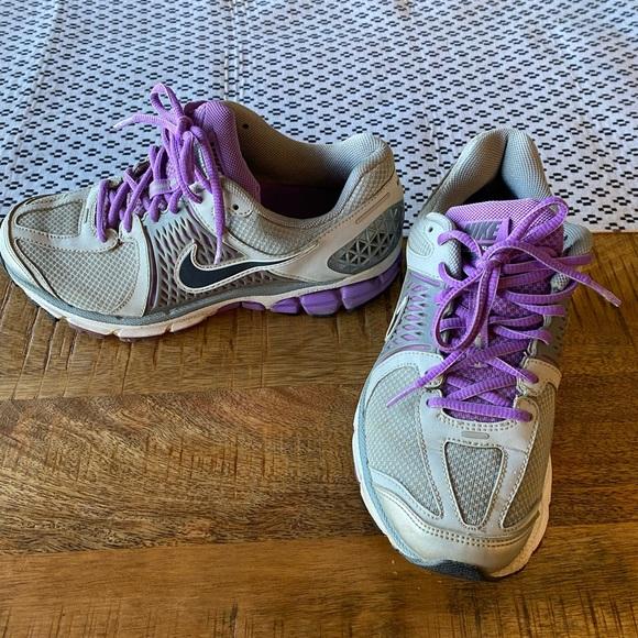 Women's Nike Vomero 6
